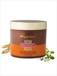 Frottez la peau avec de la pâte en mouvements circulaires - Beauté ayurvédique cosmétiques